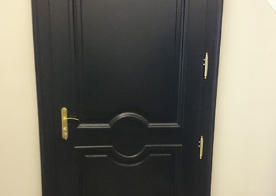 Porte d'entrée en Chêne laquée noire Vue intérieure