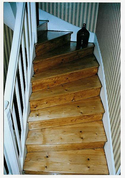 vitrifier un escalier stunning de mon escalier une bonne couche de protection with vitrifier un. Black Bedroom Furniture Sets. Home Design Ideas