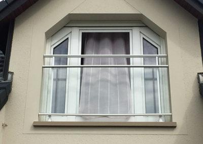 Fenêtre PVC blanc forme spéciale