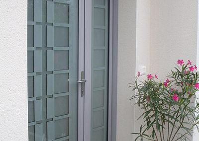 Porte d'entrée Alu gris métallisé