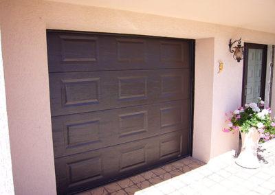 Porte de garage sectionnelle, laqué marron