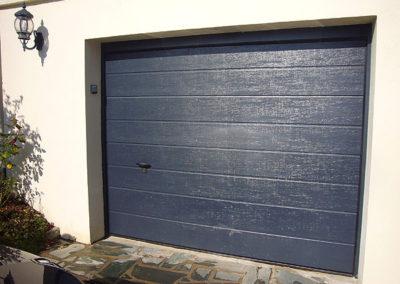 Porte de garage sectionnelle, laqué bleu gris