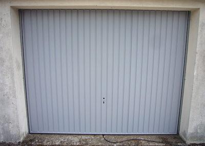 orte de garage basculante en acier laqué