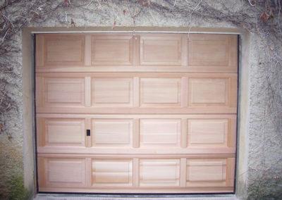 Porte de garage sectionnelle, bois Cèdre rouge