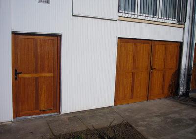 Porte de service coordonnée avec la porte de garage