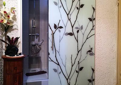 Porte intérieure coulissante en verre imprimé