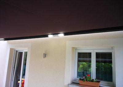 Store extérieur avec lumière intégré