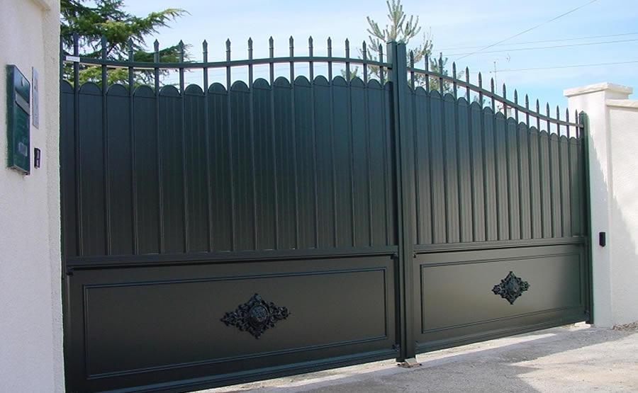 Portail aluminium gamme authentique